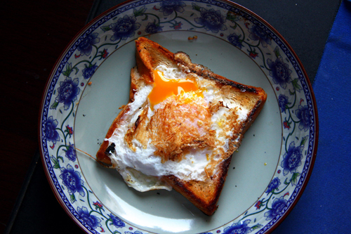 greasy-fried-egg-on-toast