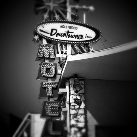 hollywood downtowner motel