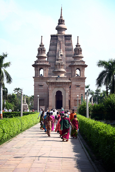 sarnath-mulagandhakuti-vihara-buddhist-temple