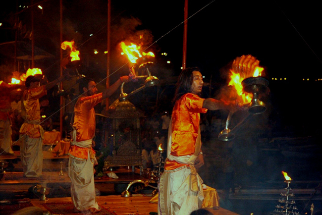 varanasi-aarty-ritual-dashashwamedh-ghat