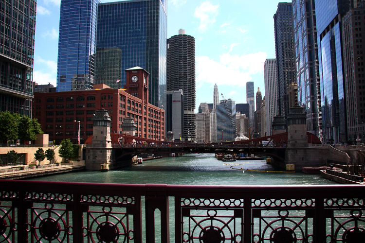 Chicago River_opt