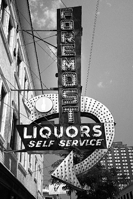 Foremost Liquors bw
