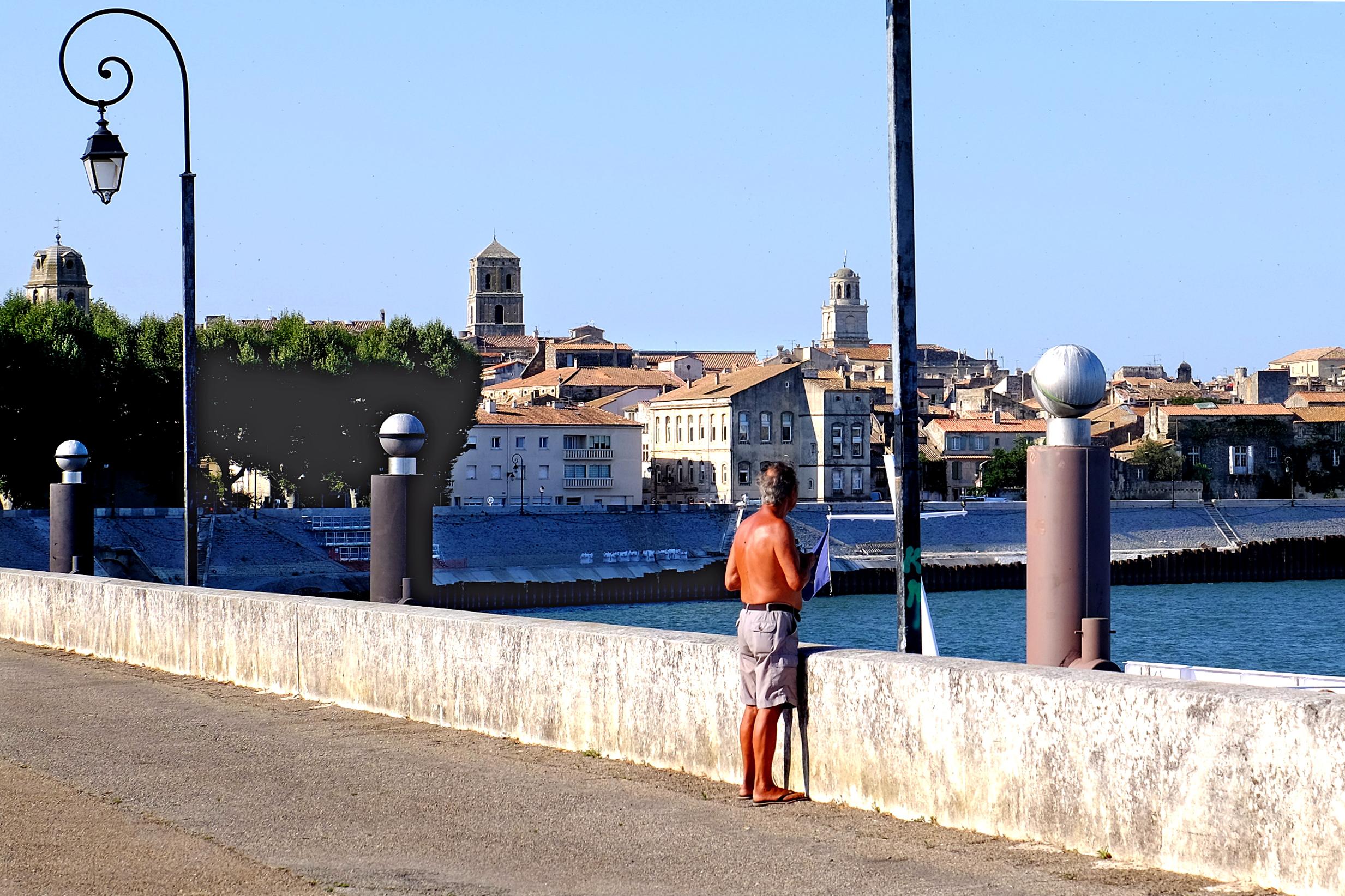 Arles city view