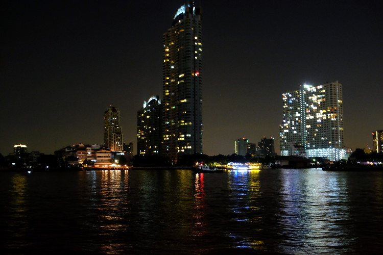 Chao Phraya night_opt